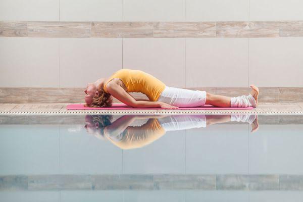 3 ejercicios de yoga para sanar la mente y el cuerpo. Posturas de yoga para el cuerpo y la mente. Sanar cuerpo y mente con yoga