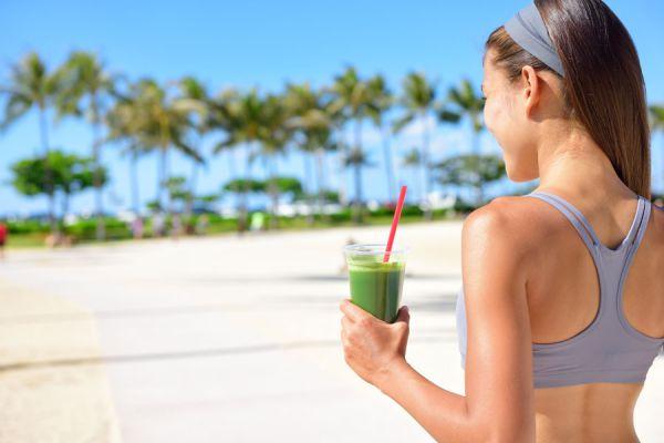 Cómo desintoxicar el organismo con zumos naturales. Zumos para depurar el cuerpo en una semana. Recetas de zumos frutales para depurar el organismo