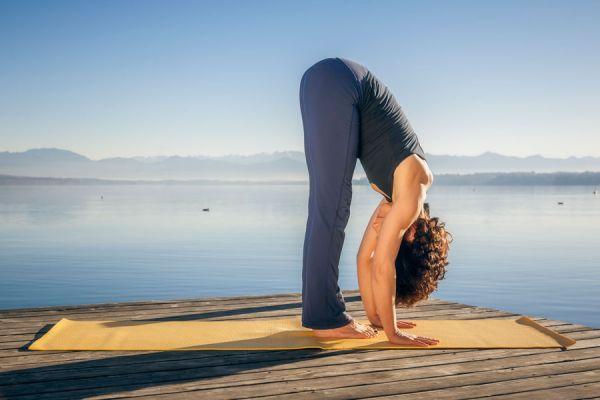 Asanas de yoga para aliviar la congestion nasal. Ejercicios de yoga para tratar la sinusitis y la congestión nasal. Yoga para la sinusitis