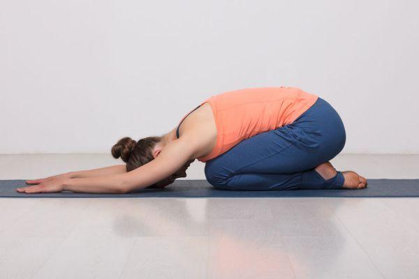 Ejercicios de yoga para principiantes. Rutina básica de yoga para principiantes. 3 asanas de yoga ideales para principiantes