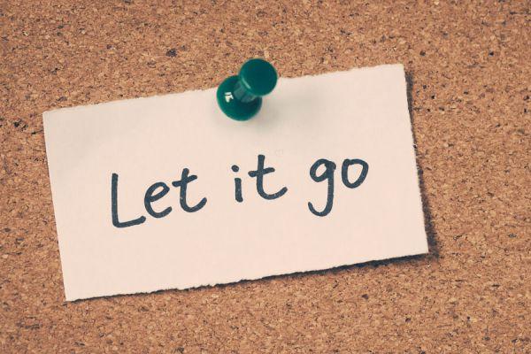 Rituales para dejar ir lo malo del pasado. Cómo olvidar el pasado y soltar con rituales simples. 5 rituales sencillos para soltar el pasado
