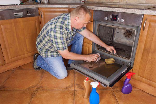 10 consejos para la limpieza del hogar. Cómo eliminar manchas en el hogar. Trucos para limpiar superficies del hogar
