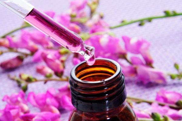 Aromaterapia para conciliar el suelo. Cómo combatir el insomnio con aceites esenciales. Uso de aceites esenciales para dormir mejor.