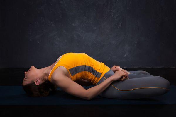 3 asanas de yoga para aliviar la cervical. Posturas de yoga para tratar la cervicalgia. Cómo aliviar el dolor en las cervicales con yoga