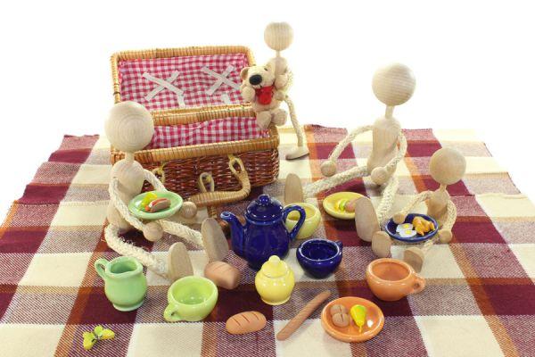 Cómo crear platos con juguetes. Tips para hacer tu propia vajilla original con juguetes. Pasos para crear vajilla con juguetes