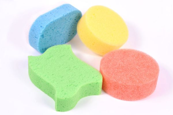 Pasos para crear juguetes con goma espuma. Pasos para fabricar juguetes de goma espuma. Haz tus propios juguetes de goma espuma