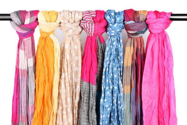 Ideas para reciclar bufandas y pañoletas. Cómo reutilizar bufandas viejas. Ideas para aprovechar viejas bufandas y pañoletas