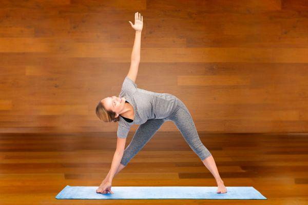Asanas de yoga para calmar los síntomas de la fibromialgia. Posturas de yoga para tratar la fibromialgia.