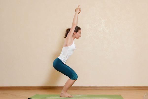 3 asanas de yoga para hacer en primavera. 3 posturas de yoga ideales para practicar en primavera. Cómo hacer yoga en primavera