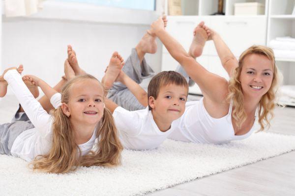 Las mejores posturas de yoga para niños. Ejercicios de yoga para hacer con tus hijos. 4 posturas de yoga para niños