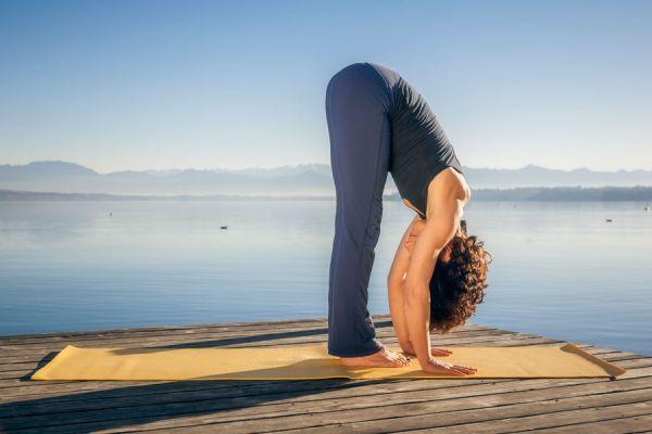 Cómo combatir la depresión con yoga. Asanas para tratar la depresión. 5 posturas de yoga para eliminar la depresión