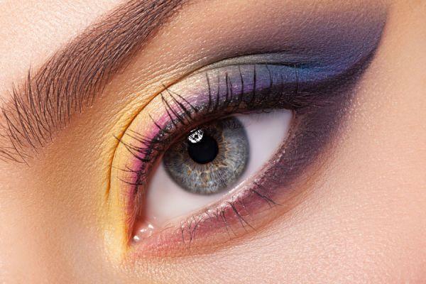 Cómo maquillar los ojos según su forma. El mejor maquillaje de ojos según su forma. Cómo maquillar ojos de día y de noche. Maquillar ojos redondos