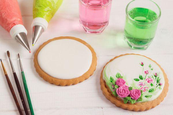 Cómo preparar acuarelas comestibles. Cómo hacer acuarelas comestibles para pintar platos dulces. Acuarelas comestibles para decorar