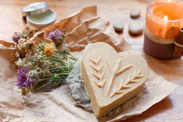 Cómo preparar aromatizantes para los cajones. Cómo perfumar la ropa con aromatizantes caseros. Recetas de aromatizantes para cajones