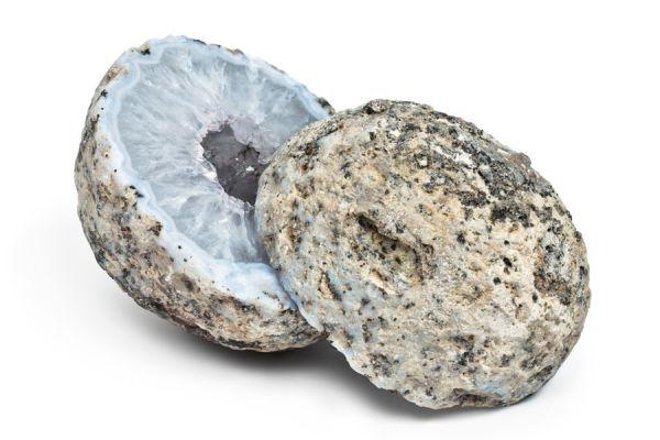 Rocas de papel reciclado. Cómo reutilizar papel para hacer piedras. Rocas de papel reciclado