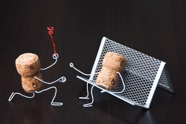 Cómo crear miniaturas con corcho. Ideas para crear miniaturas usando corchos. Cómo hacer personajes con corchos.
