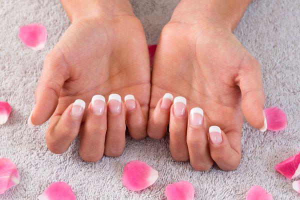 Tratamientos para fortalecer las uñas. Métodos para fortalecer las uñas quebradizas. Cómo mejorar las uñas con remedios caseros
