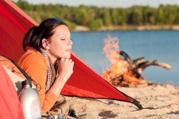 Tips para acampar en la playa. Cómo elegir el lugar para acampar en la playa. Consejos para hacer una acampada en la playa
