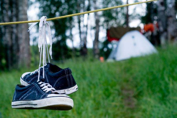 Tips para comportarse en un camping. Reglas de comportamiento para una acampada. Cómo comportarse en un camping. Normas para un campamento