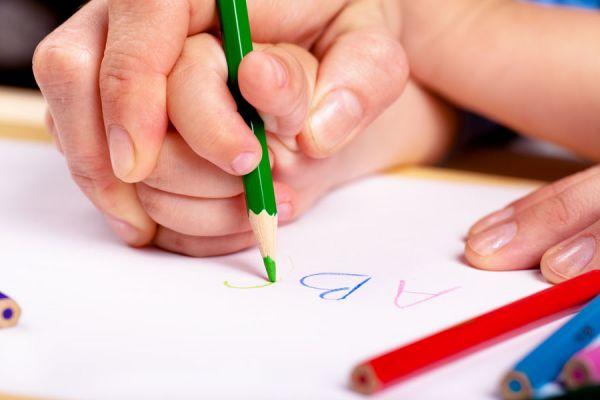Guía para enseñar a leer. Cómo enseñarle a leer a un niño. Tips para enseñar a leer a un niño de 3 años.