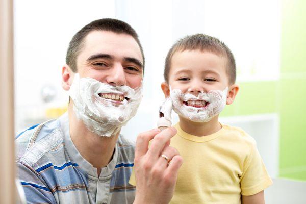 Cómo enseñar higiene personal a tus hijos. Tips para enseñar higiene personal a los niños. Enseñar a bañarse a los niños