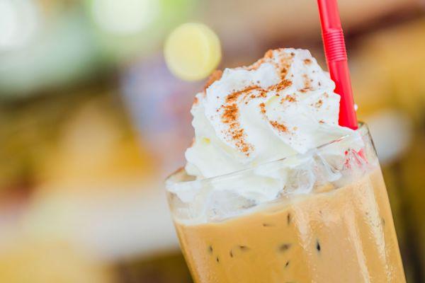 Receta para hacer frappuccino casero. Cómo preparar frappuccino en casa. Frappuccino tipo starbucks. Receta para hacer frappuccino