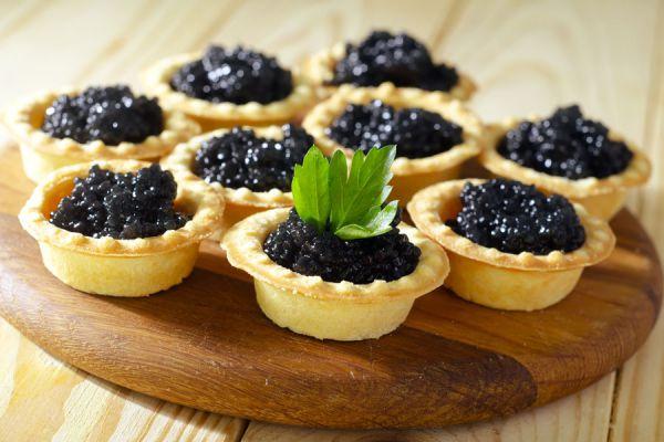 Métodos para hacer caviar falso. Cómo preparar caviar falso. Cómo hacer caviar falso con gelatina. Caviar falso con frutas y aceites