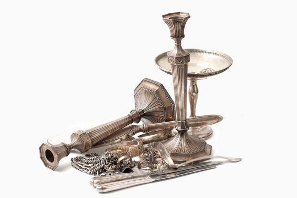 Cómo limpiar objetos de plata con bicarbonato. Remedio casero  para la limpieza de objetos de plata. Truco para limpiar plata