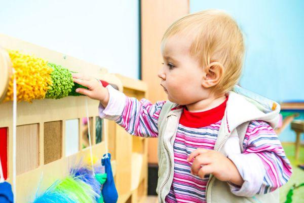 Cómo decorar un cuarto de niños con la técnica Montessori. Decoración de la habitación con la técnica montessori.