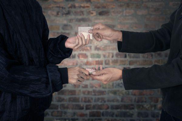 Cómo saber si alguien es adicto a las drogas. claves para descubrir si alguien se droga. Señales para saber si alguien es adicto a las drogas