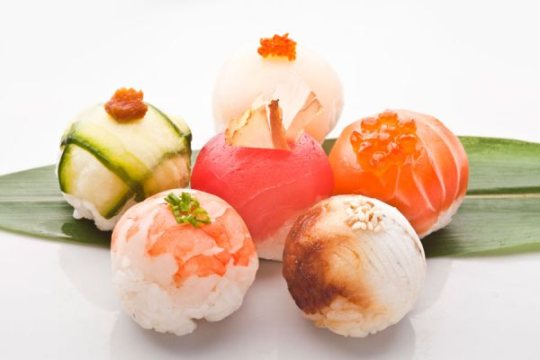 Cómo preparar bombones salados. Recetas para hacer bombones salados. bombones salados de salmón. bombones salados de jamón