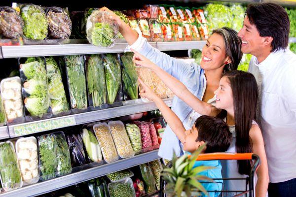 Cómo ir a hacer las compras con los niños. Técnicas para hacer las compras en la tienda con los niños. Consejos para hacer compras con los niños