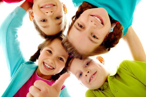 Tips para subir la autoestima de tus hijos. Consejos para elevar la autoestima de los niños. Claves para levantar la autoestima de un niño