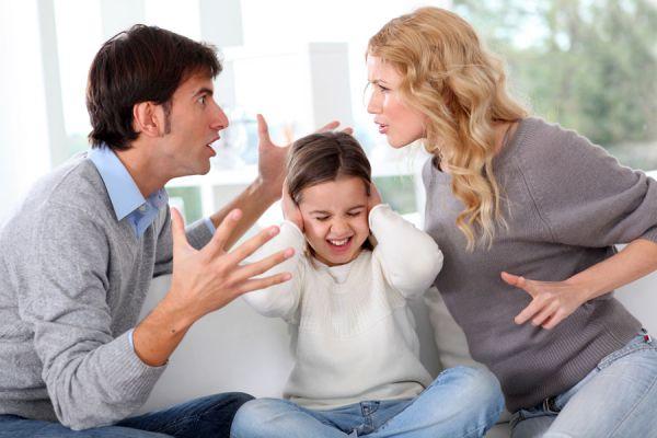 Claves para tratar a un niño que grita. Cómo corregir a un niño que grita mucho. Cómo educar a un niño que grita mucho