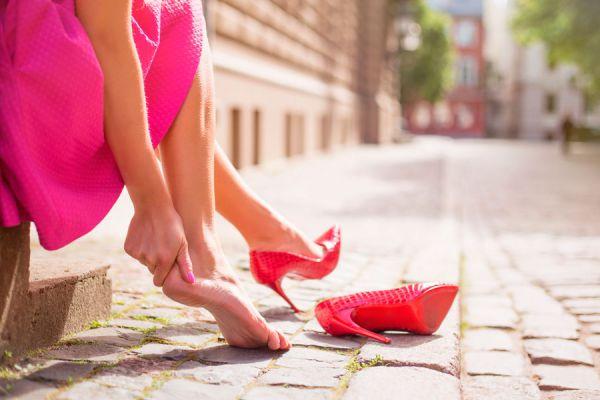 Cómo vestir para un evento. Errores habituales al elegir la vestimenta para un evento. 10 errores que debes evitar en la vestimenta de eventos