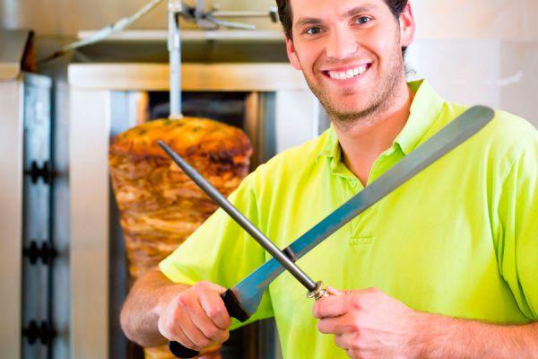 Receta para cocinar doner kebab. Preparación de los doner kebab. Receta casera para cocinar doner kebab.