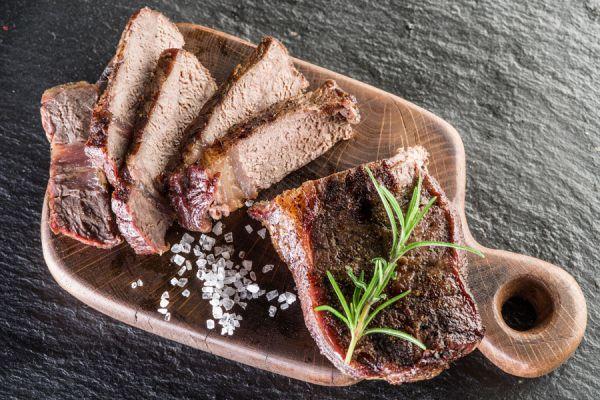 Test para conocer el punto de cocción de un trozo de carne. Los distintos puntos de coccion de las carnes rojas y blancas.