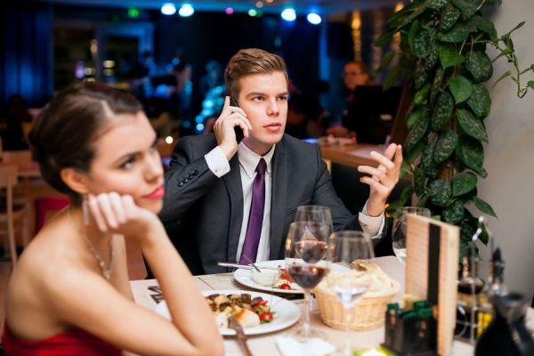 Tips para actuar en una primera cita. Cómo tener una primera cita perfecta. Cómo comportarse en una primera cita. Tips para citas exitosas