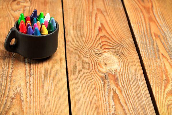 Métodos para quitar rayas en la madera. Cómo reparar marchas en muebles de madera. Técnicas para quitar rayones en la madera