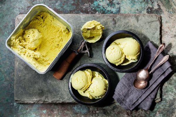 Cómo preparar helado a la plancha. Qué es el helado a la plancha? Técnica para preparar helado de piedra. Pasos para hacer helado a la plancha