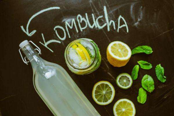Receta casera para preparar kombucha de sabores. Ingredientes para hacer kombucha de distintos sabores. Es bueno consumir kombucha?