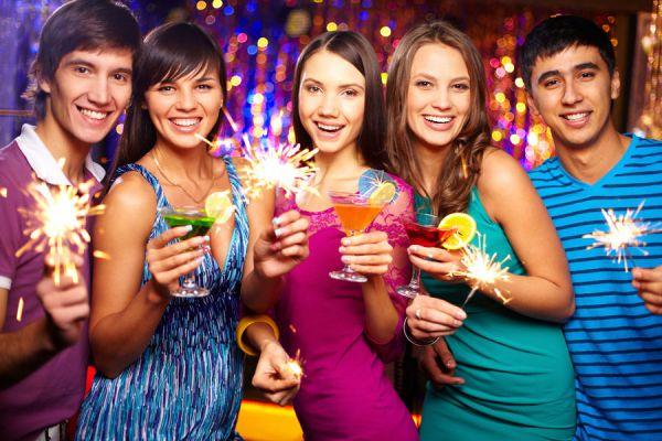 Qué color usar para recibir el año nuevo? Cómo elegir el color para año nuevo. Cómo combinar colores para año nuevo.