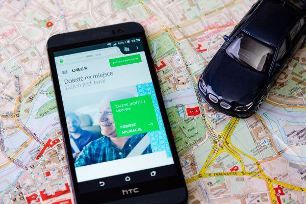 Funcionamiento de uber. Qué es uber? Cómo usar uber? Por qué no quieren a uber? Por qué uber es ilegal?