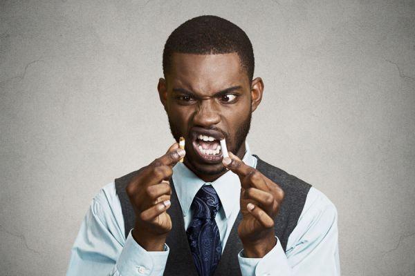 Métodos para eliminar el olor a cigarrillo. Cómo quitar el aroma a cigarro. Tips para eliminar el olor a cigarrillo de los ambientes