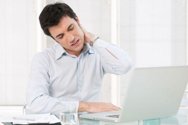 Aliviar el cuello dolorido. Métodos caseros y naturales para calmar el dolor de cuello.