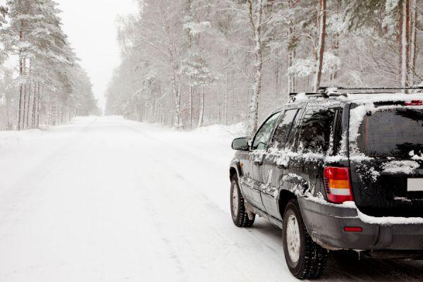 Tips para cuidar el coche en invierno. Consejos de cuidado del coche en invierno. Cómo cuidar el coche del hielo y la nieve