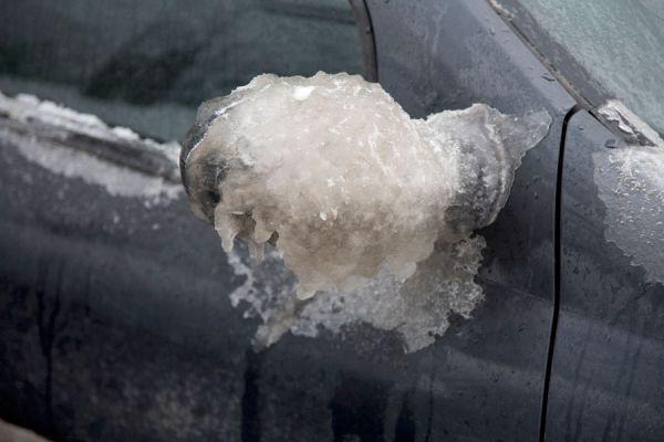 Cuidar el coche de la nieve y el frío. Cómo usar el coche en invierno. Tips de cuidado del coche durante el invierno