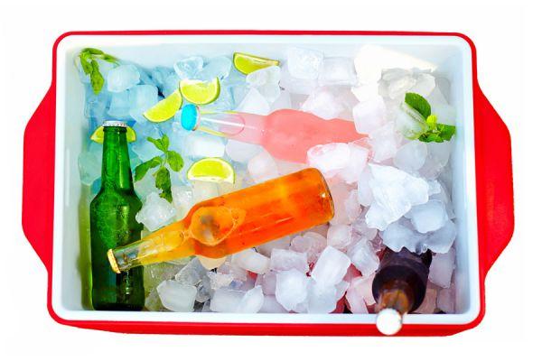 Cómo crear enfriadores caseros con agua salada. Truco para enfriar las bebidas por más tiempo. Usar enfriadores caseros para la conservadora