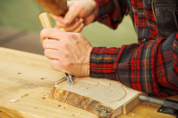 Cómo diseñar incrustaciones sobre madera. incrustaciones en muebles de madera.