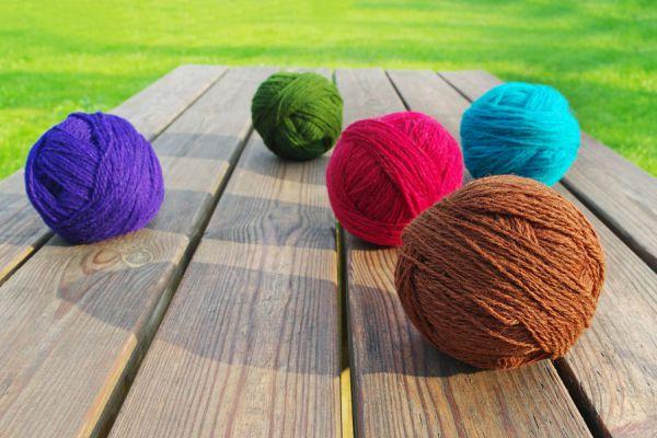Método para teñir lana con jugos en polvo. Truco para teñir lana y tejidos naturales con jugo. Cómo teñir tejidos naturales con jugo